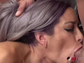 Sexy housewife sex video