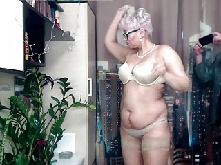 Tube granny extrem Extreme Gagging